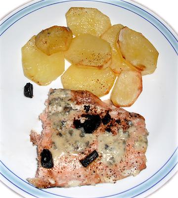 Lomo de salmón al horno con ajo negro